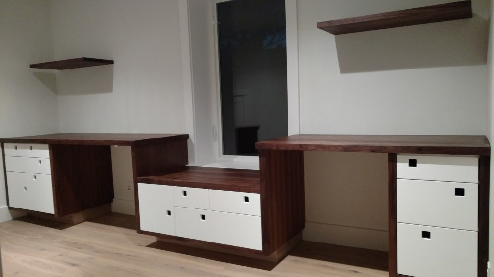 custom furniture maker built in desk